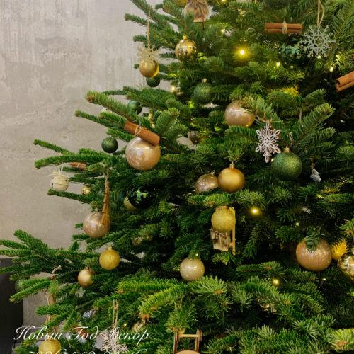 Оформление новогодней живой ёлки. Красивое новогоднее оформление корпоративных мероприятий и декор к новому году студия декора и флористики ngdecor.ru